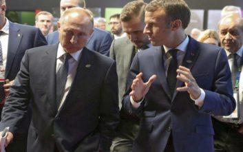 Το έριξε στη ζωγραφική ο Πούτιν για να πείσει τον Μακρόν
