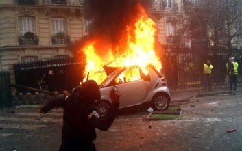 Στους 65 οι τραυματίες από τις διαδηλώσεις των «κίτρινων γιλέκων» στο Παρίσι