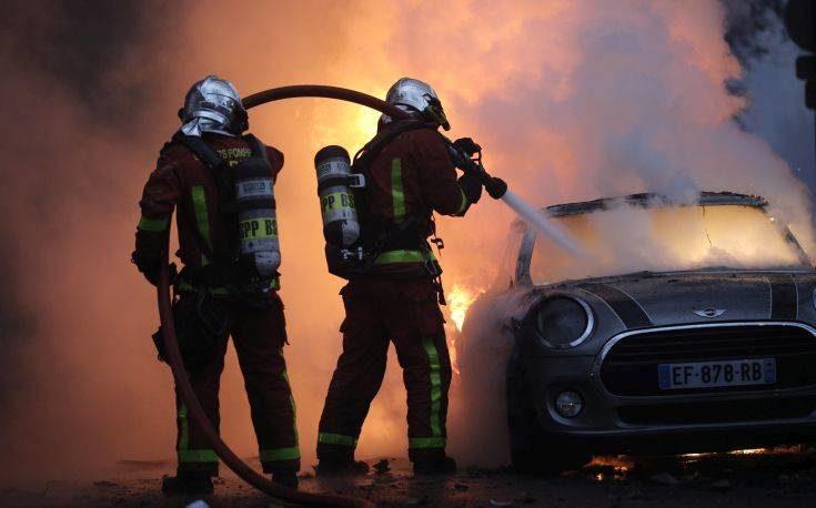 Φωτογραφίες από το χάος στο Παρίσι με 80 τραυματίες