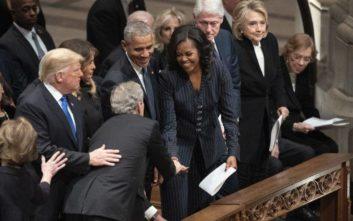 Το γλυκό δώρο που ξαναέκανε στη Μισέλ Ομπάμα ο Τζορτζ Γ. Μπους