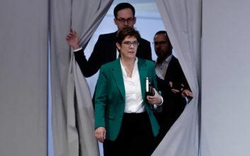 Οι αντιδράσειs μετά την εκλογή Κάρενμπαουερ στην προεδρία του CDU