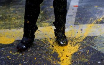 Διαδηλωτές συνελήφθησαν στις Βρυξέλλεςκαι κρατήθηκαν σε... στάβλους για άλογα