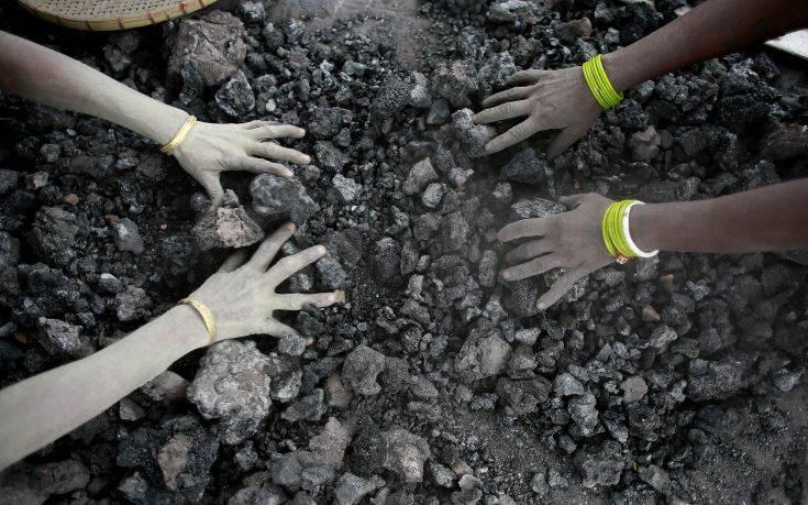 Εγκλωβισμένοι σε παράνομο ανθρακωρυχείο 13 εργάτες στην Ινδία