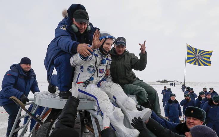 Επέστρεψαν στη Γη μετά από 197 μέρες στο διάστημα