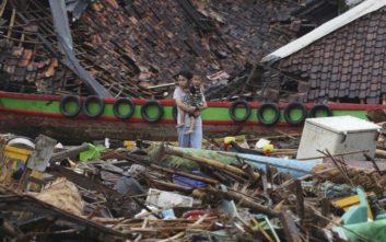 Συναγερμός για την ηφαιστειακή τέφρα στην Ινδονησία