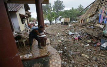 Φονικές πλημμύρες και κατολισθήσεις στην Ινδονησία
