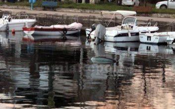 Μυστήριο με αυτοκίνητο που βρέθηκε στη θάλασσα στο δήμο Στυλίδας