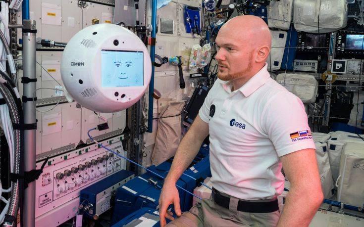 Το έξυπνο ρομπότ που μπορεί να γίνει το δεξί χέρι των αστροναυτών