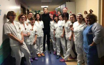 Ο Κριστιάνο Ρονάλντο μοίρασε δώρα και χαμόγελα σε νοσοκομείο παίδων