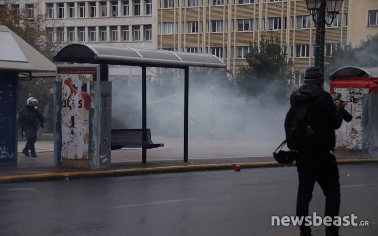 Μολότοφ και χρήση χημικών στην πορεία για τον Γρηγορόπουλο