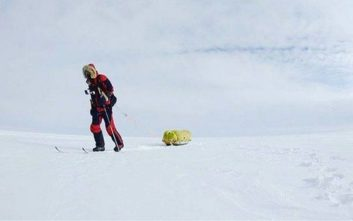 Ο πρώτος άνθρωπος που διέσχισε την Ανταρκτική με σκι χωρίς την παραμικρή βοήθεια