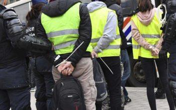 Η Γαλλία παγώνει τον φόρο στα καύσιμα λόγω «κίτρινων γιλέκων»