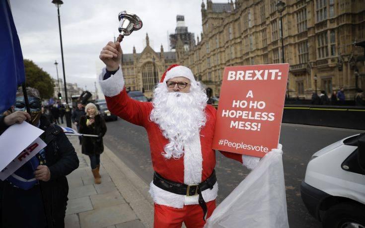 «Το σχέδιο της Μέι για το Brexit πέθανε»
