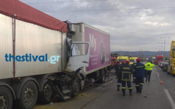 Σοβαρό τροχαίο με φορτηγά και νεκρό στη Θεσσαλονίκη