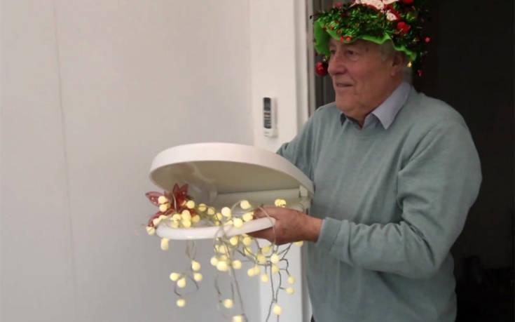 Ο άντρας που κάνει στη γυναίκα του τα… χειρότερα χριστουγεννιάτικα δώρα του κόσμου