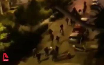 Βίντεο από την επίθεση με μολότοφ στο κτίριο των ΜΑΤ