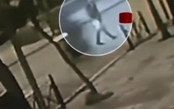 Σοκαριστικό βίντεο από το τροχαίο στο Αιγάλεω με θύμα έναν 20χρονο
