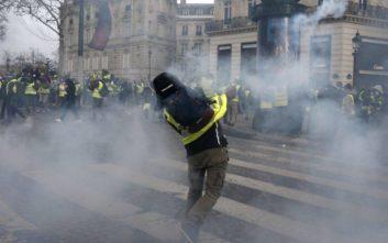 «Κουράστηκαν» οι Γάλλοι από τις κινητοποιήσεις των Κίτρινων Γιλέκων