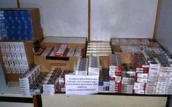 Βρέθηκαν εκατοντάδες χιλιάδες λαθραία τσιγάρα και καπνός