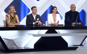 Το τολμηρό ντεκολτέ της Ηλιάνας Παπαγεωργίου στον τελικό του GNTM