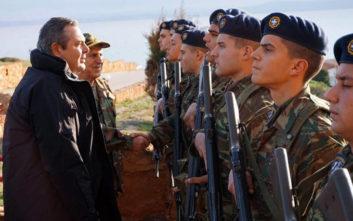 Τουρκικά μαχητικά πέταξαν πάνω στις Οινούσσες όπου βρέθηκε ο Καμμένος