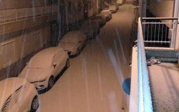 Πυκνό χιόνι κάλυψε την Κοζάνη