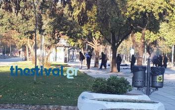 Έκαψαν την ελληνική σημαία στη Θεσσαλονίκη