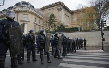 Σε συναγερμό οι γαλλικές αρχές για τις κινητοποιήσεις