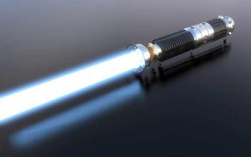 Στο σφυρί το φωτόσπαθο του Star Wars