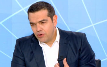 Τσίπρας: Θα ξεφτιλιστούμε διεθνώς αν κυρώσει η ΠΓΔΜ τη συμφωνία και δεν το κάνουμε εμείς