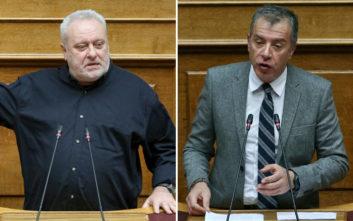 Θεοδωράκης και Ψαριανός παραλίγο να έρθουν στα χέρια έξω από τη Βουλή