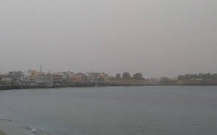 Τοπίο στην ομίχλη τα Χανιά