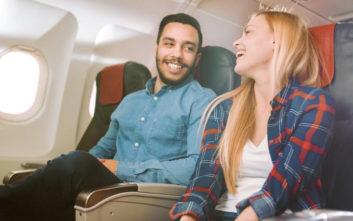 Πώς η κουβέντα με τον συνταξιδιώτη σου στο αεροπλάνο μπορεί να αλλάξει τη ζωή σου