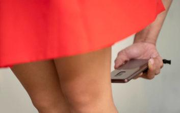 Φυλάκιση μέχρι 2 έτη για όσους βγάζουν φωτογραφίες κάτω από φούστες