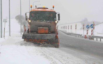 Σφοδρή χιονόπτωση στην εθνική οδό Θεσσαλονίκης-Σερρών