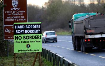 Brexit χωρίς συμφωνία φέρνει υποχρεωτικούς ελέγχους και στις δύο πλευρές των συνόρων