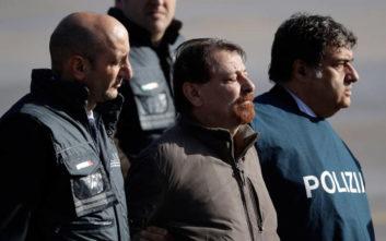 Επέστρεψε στην Ιταλία ο φυγόδικος τρομοκράτης Τσέζαρε Μπατίστι