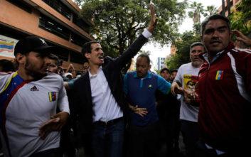 Το Ευρωπαϊκό Κοινοβούλιο αναγνωρίζει μόνο τον Γκουαϊδό ως θεσμικό συνομιλητή