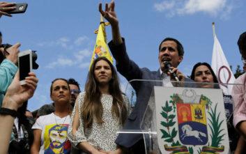 Βενεζουέλα: Ο Γκουαϊδό ίσως ζητήσει να γίνει στρατιωτική επέμβαση