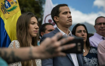 Η Μόσχα κατηγορεί τις ΗΠΑ ότι σχεδιάζουν να εξοπλίσουν την αντιπολίτευση στη Βενεζουέλα