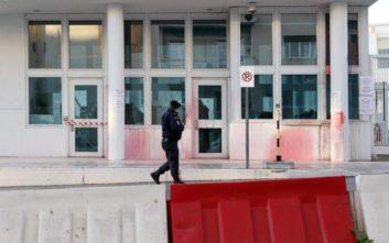 Υπουργείο Εξωτερικών για επίθεση Ρουβίκωνα: Οι δεσμοί Ελλάδας - ΗΠΑ δεν πλήττονται