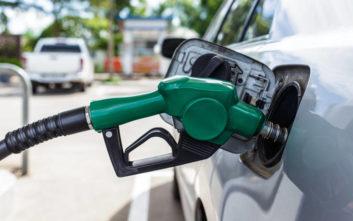 Να πώς καταλαβαίνει η μάνικα ότι γέμισε το ντεπόζιτο με βενζίνη