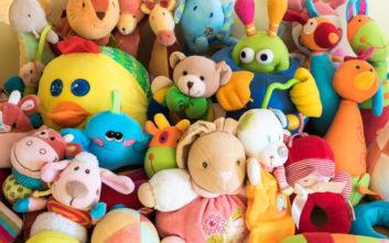 Πώς φρεσκάρουμε τα αρκουδάκια του παιδικού δωματίου