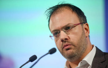 Θεοχαρόπουλος: Πολιτικά ακατανόητη η συμπεριφορά της Φώφης Γεννηματά