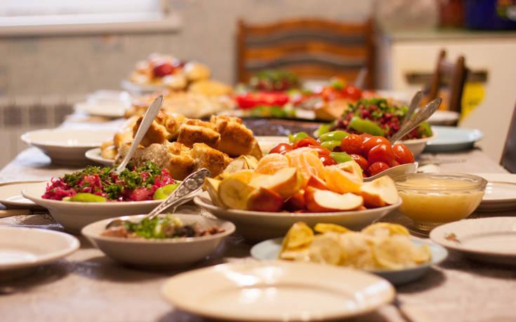 Συμβουλές διατροφής για όσους ξέφυγαν στις γιορτές