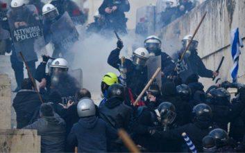Συλλαλητήριο για τη Μακεδονία με παλμό, ένταση και πολλά χημικά