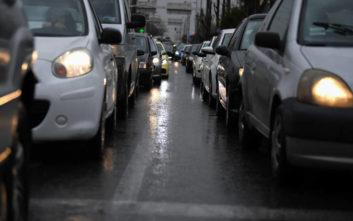 Μποτιλιάρισμα στην Αττική οδό λόγω τροχαίου