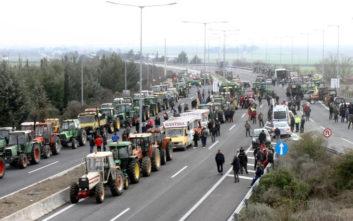 Αγρότες έκλεισαν την E.O. Αθηνών-Θεσσαλονίκης στο κόμβο της Νίκαιας