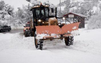 Προβλήματα από την κακοκαιρία στην Κρήτη, έκλεισαν δρόμοι από το χιόνι
