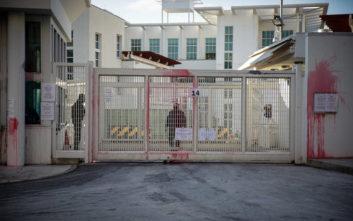 Δύο συλλήψεις για την επίθεση του Ρουβίκωνα στην πρεσβεία των ΗΠΑ